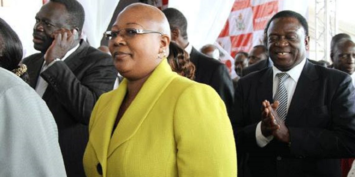 'Khupe Splashes The Cash To Create Fake 2014 MDC-T Structures'