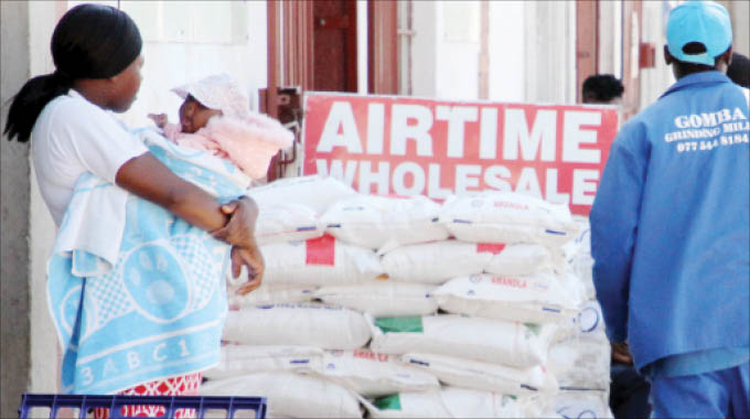 Wholesalers should evenly distribute basic commodities