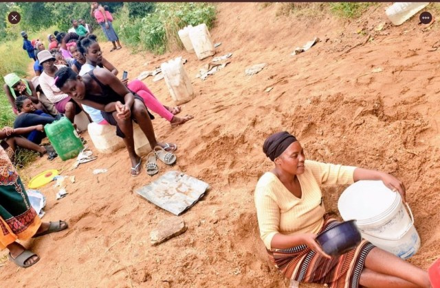 COVID-19 – Ximausa residents in Limpopo left to dig in a dry riverbed for water